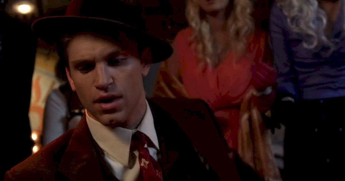 Pretty Little Liars - Brave Our 13 Favorite Moments From The Season 3 Halloween Special - 1004