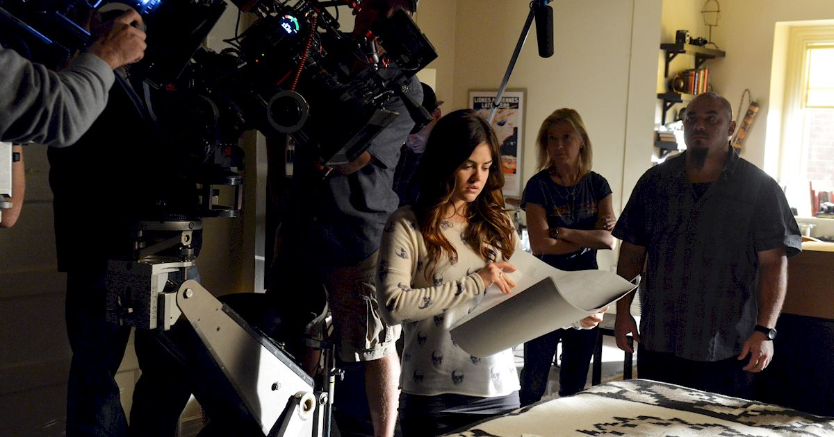 Pretty Little Liars - Want To Go Behind The Scenes Of PLL Season 4?  - 1010