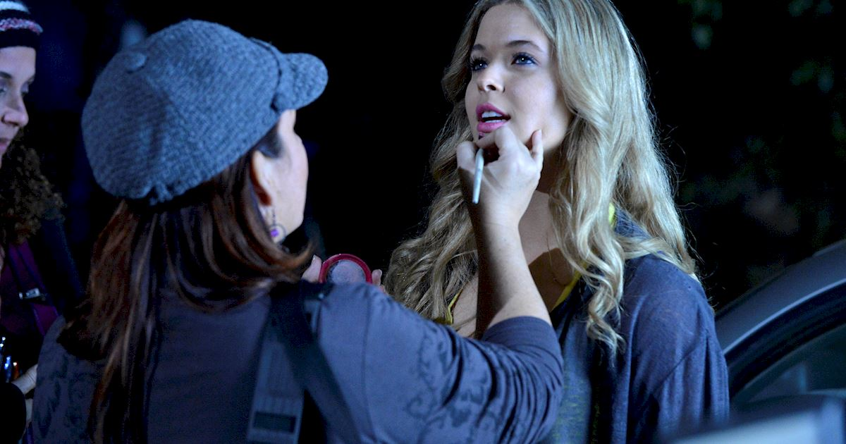Pretty Little Liars - Want To Go Behind The Scenes Of PLL Season 4?  - 1012