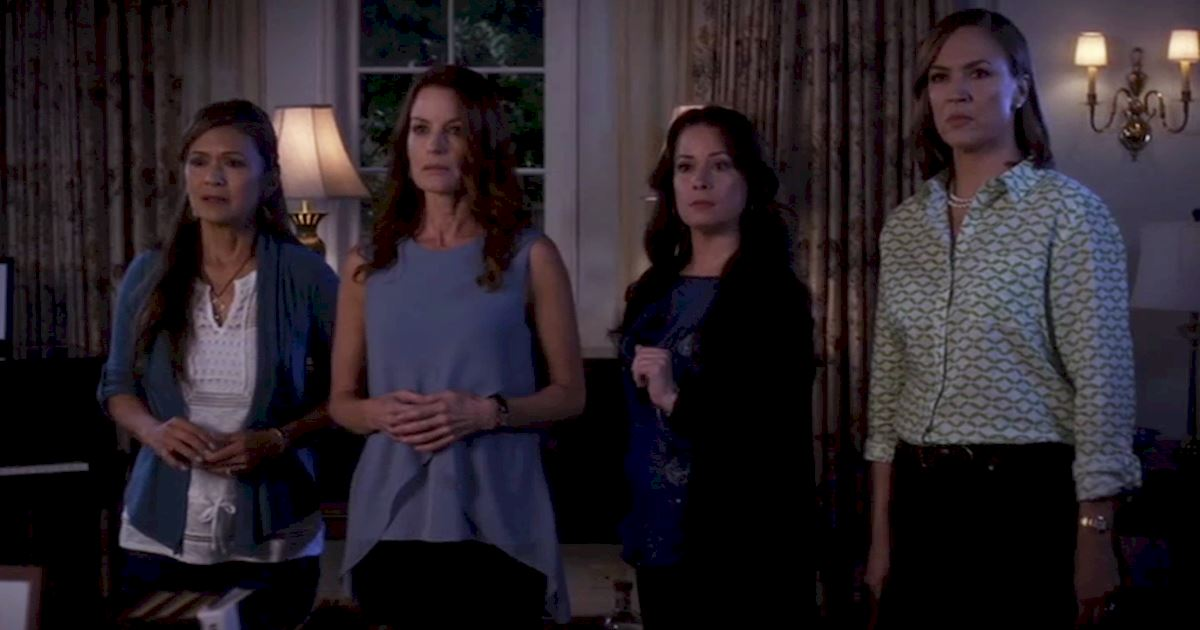 Pretty Little Liars - 15 Reasons Why We LOVE The PLL Moms! - 1010