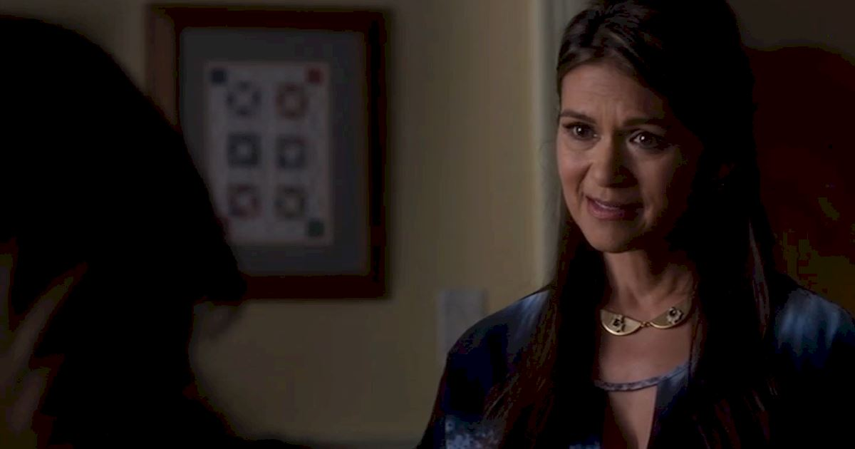Pretty Little Liars - 15 Reasons Why We LOVE The PLL Moms! - 1005