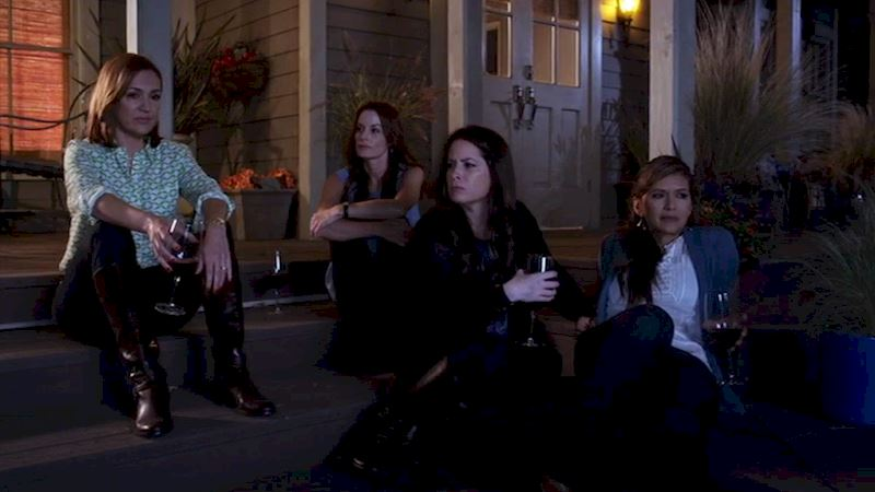 Pretty Little Liars - 15 Reasons Why We LOVE The PLL Moms! - Thumb
