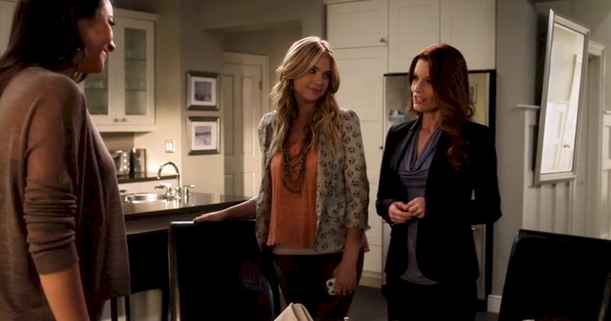 Pretty Little Liars - 15 Reasons Why We LOVE The PLL Moms! - 1006