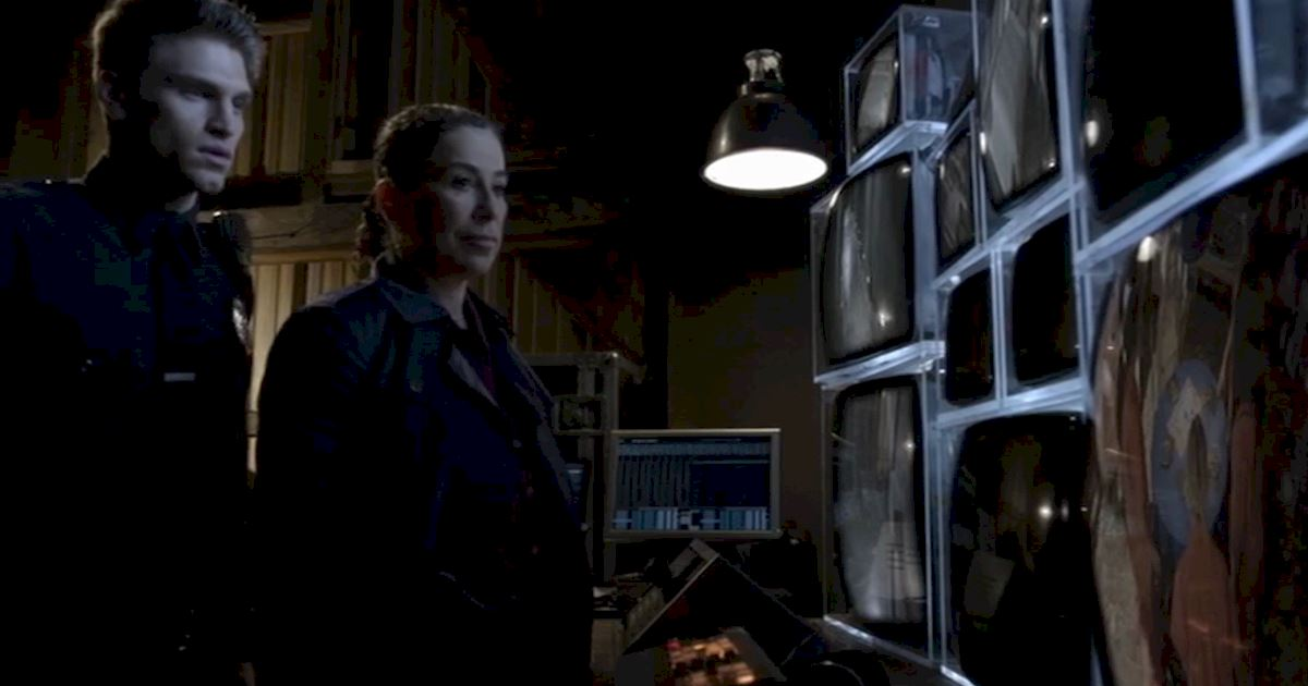 Pretty Little Liars - 13 Times Linda Tanner Was An Absolute Boss In Season 5! - 1013