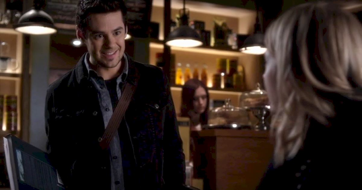 Pretty Little Liars - Remember Lucas Gottesman's Spectacular Return To Rosewood High? - 1005