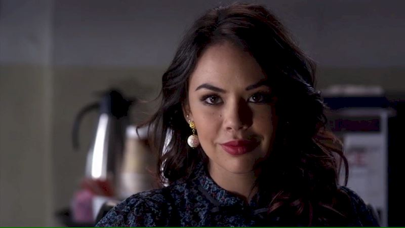 Pretty Little Liars - 13 Times We Couldn't Decide If We Loved Or Hated Mona - Thumb