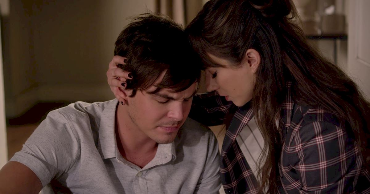 Pretty Little Liars - Just Where Did We Leave The Liars In Season 6? Catch Up Now! - 1023