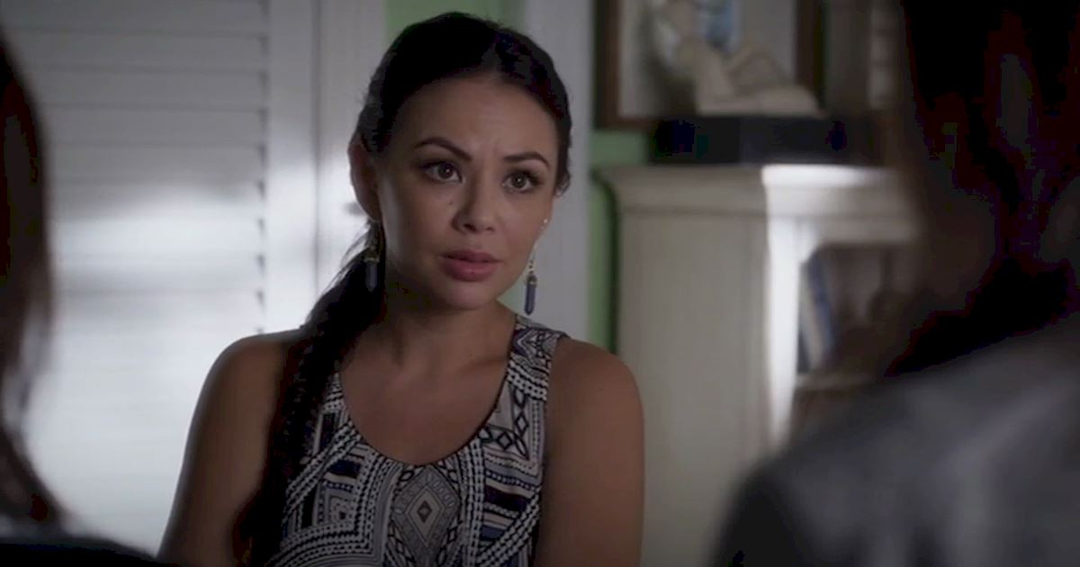 Pretty Little Liars - 13 Times We Couldn't Decide If We Loved Or Hated Mona - 1006