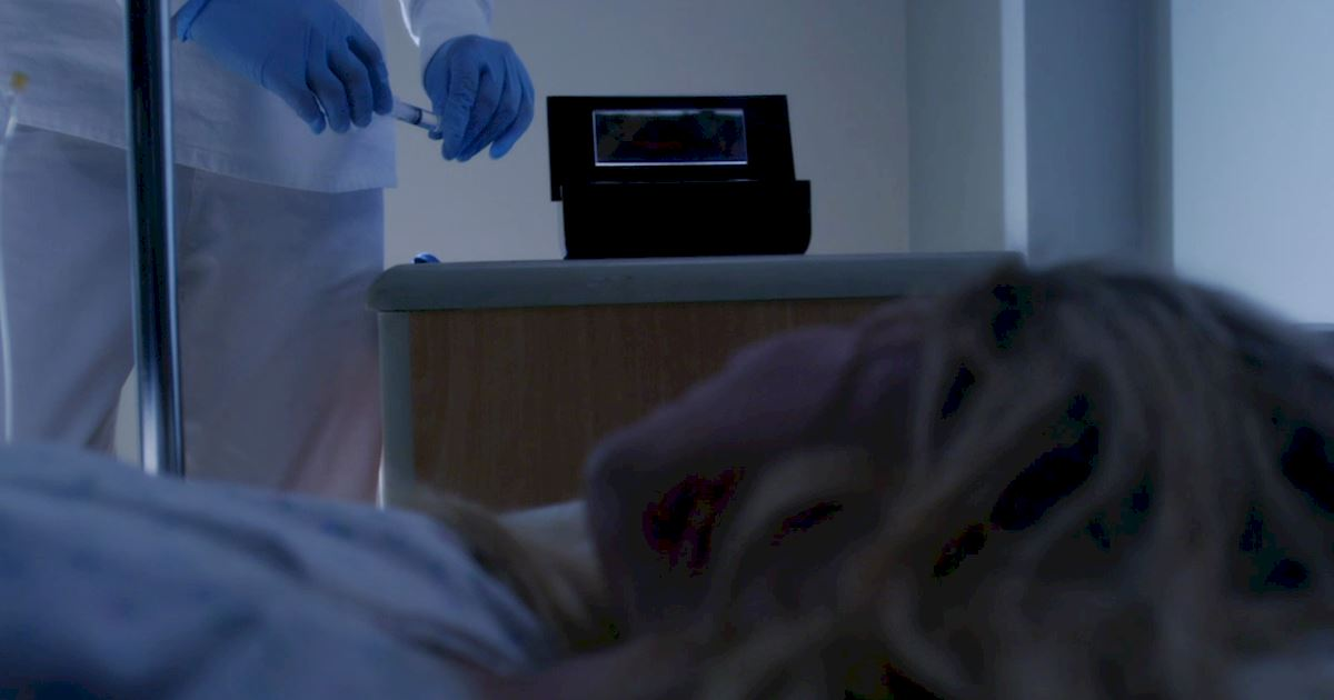 Pretty Little Liars - Has Hanna's Escape Led Her Into Even More Danger? Watch The New Promo Now! - 1005