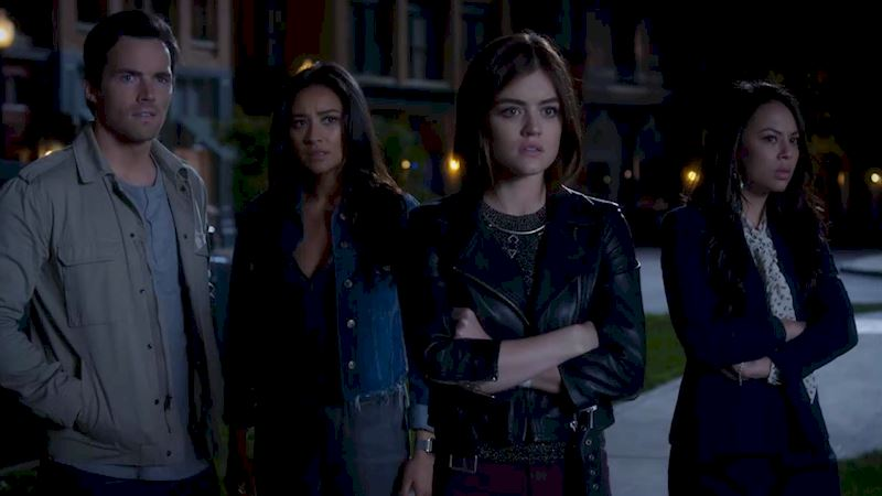 Pretty Little Liars - Your Official Recap for Season 7 Episode 1: Tick-Tock Bitches - Thumb