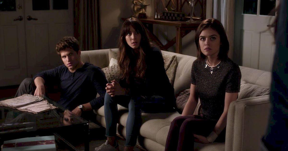 Pretty Little Liars - Your Official Recap for Season 7 Episode 1: Tick-Tock Bitches - 1009