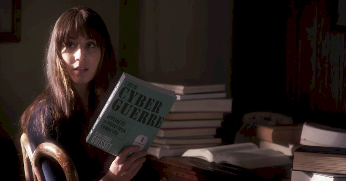 Pretty Little Liars - 21 Things We All Learned From The Chilling Season 7 Premiere! - 1009