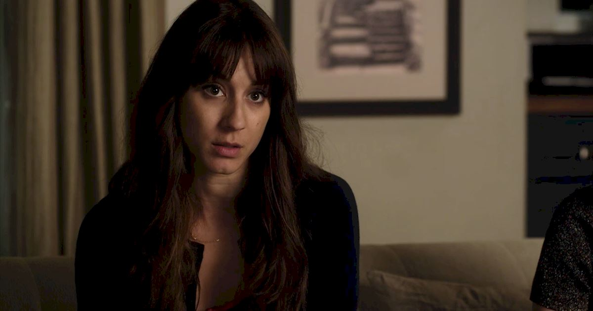 Pretty Little Liars - 21 Things We All Learned From The Chilling Season 7 Premiere! - 1018