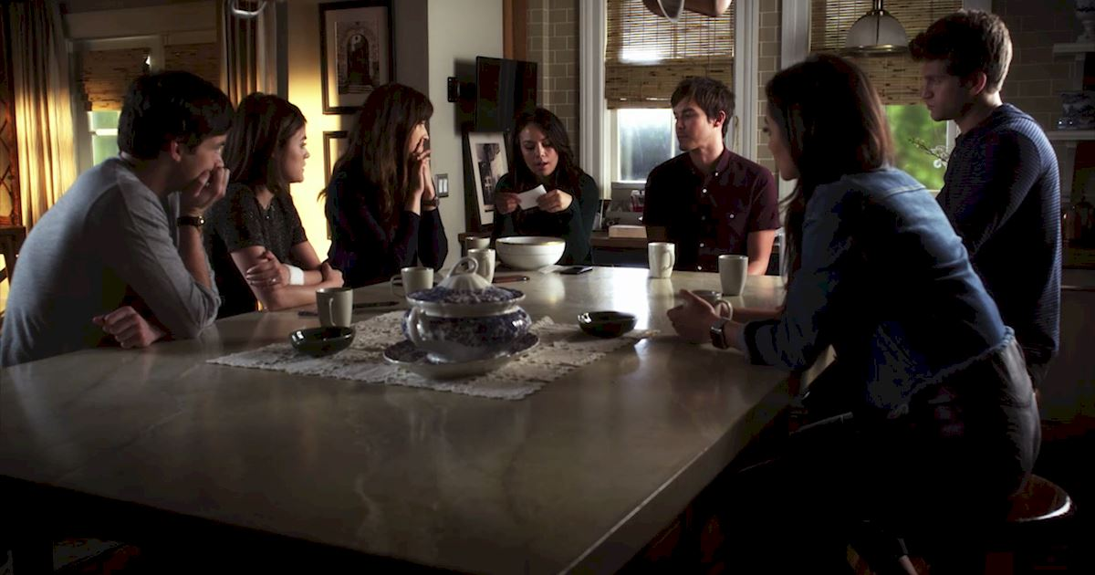 Pretty Little Liars - 21 Things We All Learned From The Chilling Season 7 Premiere! - 1006