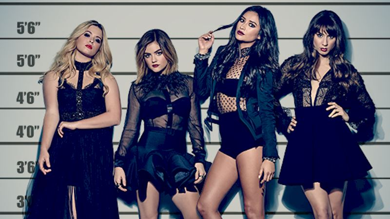 Pretty Little Liars - LIVE NOW! Follow Along With The Cast, Writers, And Fans As They Tweet The Premiere! - Thumb