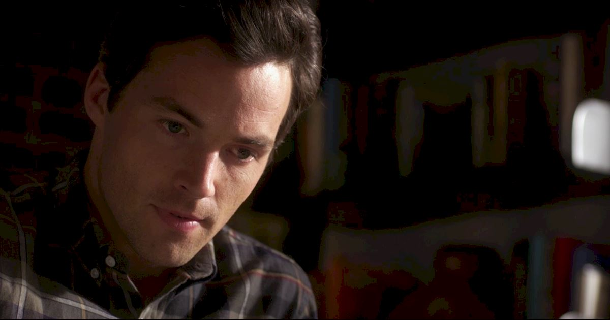 Pretty Little Liars - Episode 2 Sneak Peek: The Ultimate Ezra And Liam Showdown! - 1002