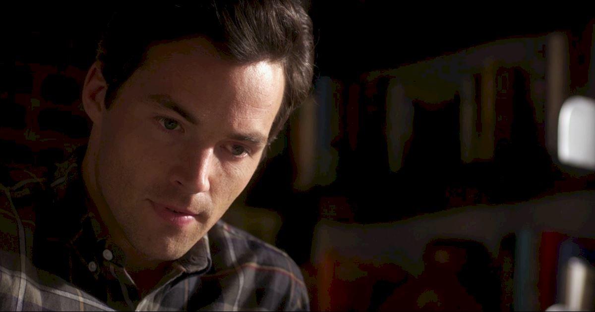 Pretty Little Liars - Episode 2 Sneak Peek: The Ultimate Ezra And Liam Showdown! - 1002