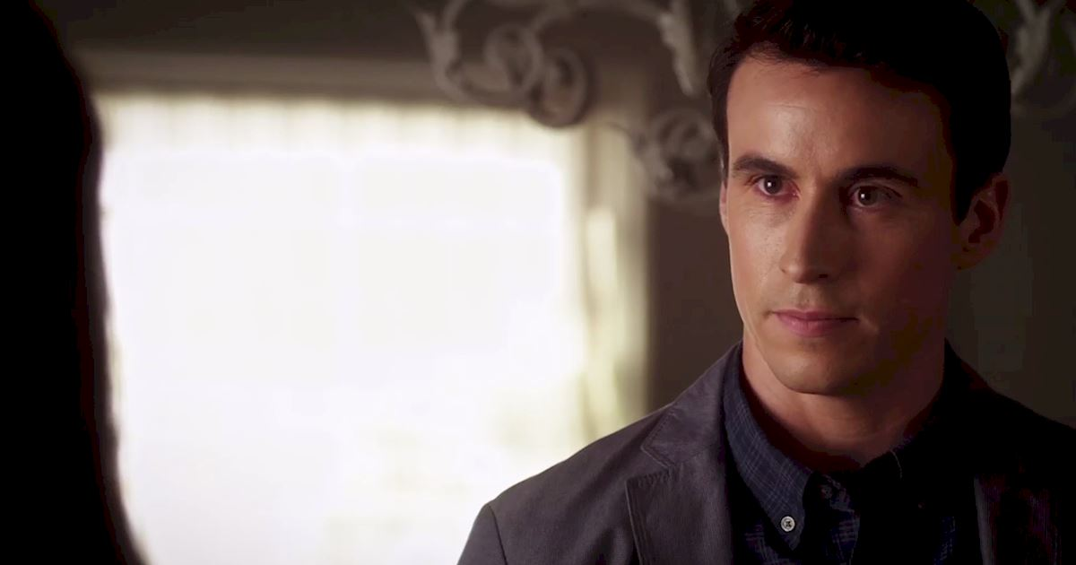 Pretty Little Liars - Watch As Spencer Gets Sassy In This Episode 2 Sneak Peek! - 1005