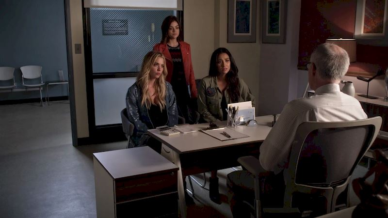 Pretty Little Liars - You Wouldn't Want To Mess With The Liars After Seeing This Episode 3 Sneak Peek! - Thumb