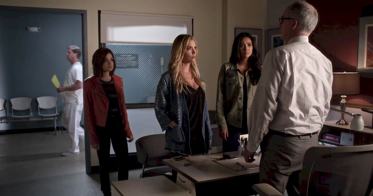 Pretty Little Liars - You Wouldn't Want To Mess With The Liars After Seeing This Episode 3 Sneak Peek! - 1007
