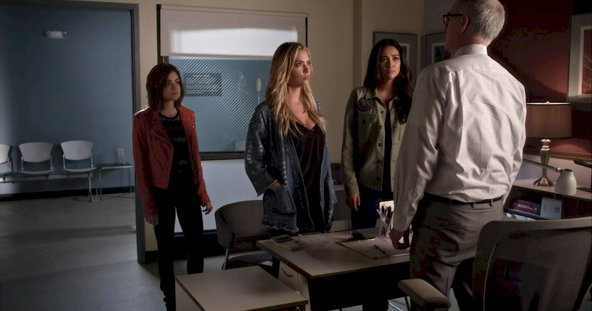 Pretty Little Liars - 25 Shocking Things We Learned From Episode 3 Of PLL! - 1008