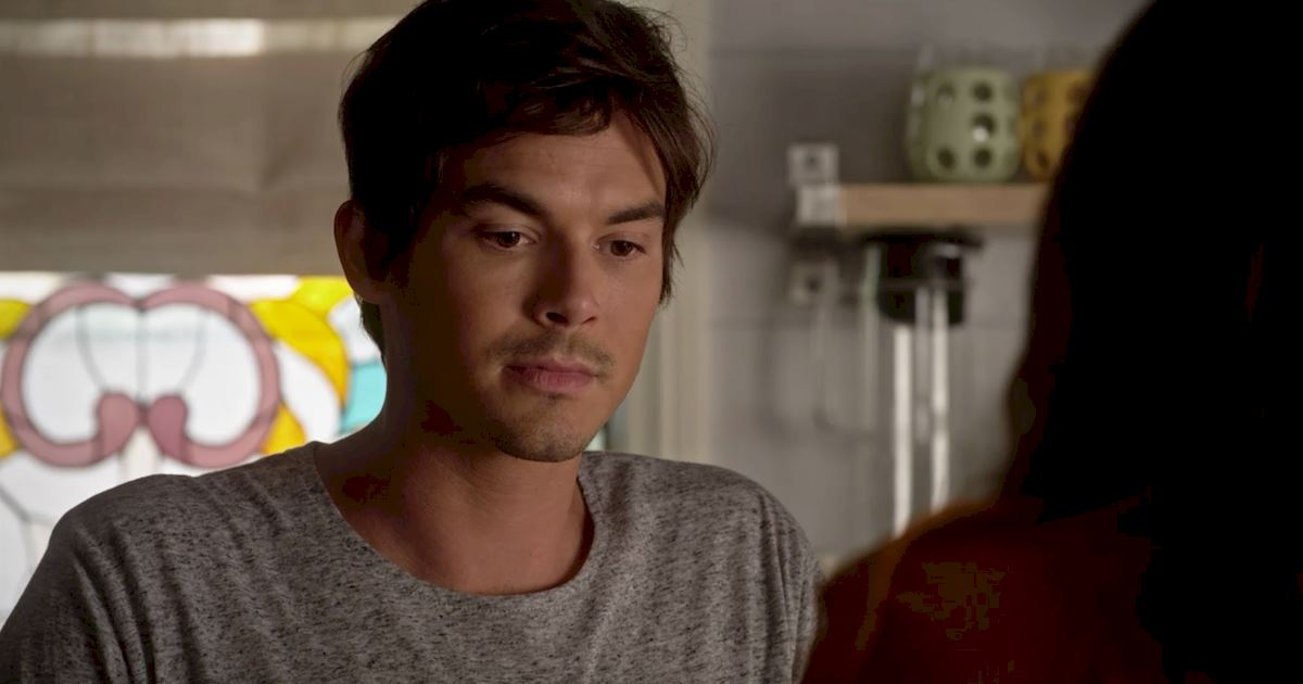 Pretty Little Liars - You NEED To Read This List Of The 15 Crazy Things That Happened In This Week's PLL! - 1008