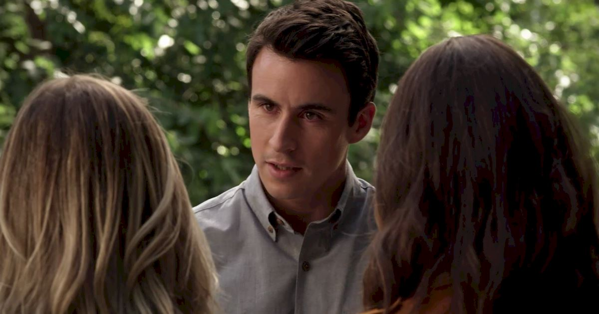Pretty Little Liars - Watch These Exclusive Messages from Huw Collins And Kara Royster! - 1002