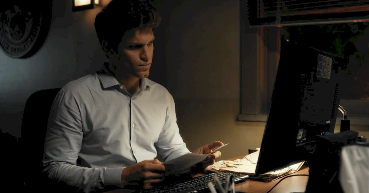 Pretty Little Liars - 20 Crazy Things We Learned In Episode 4 Of PLL!  - 1004
