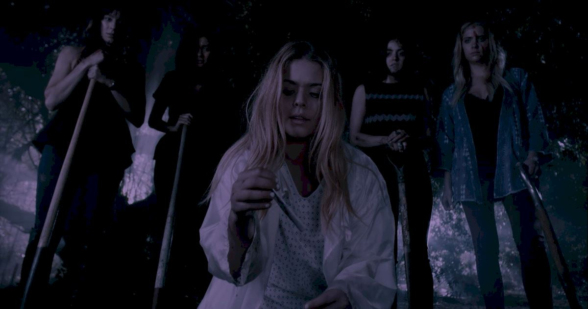 Pretty Little Liars - 20 Crazy Things We Learned In Episode 4 Of PLL!  - 1002