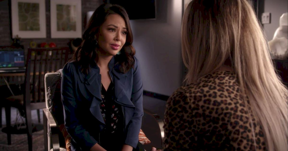 Pretty Little Liars - 20 Crazy Things We Learned In Episode 4 Of PLL!  - 1014