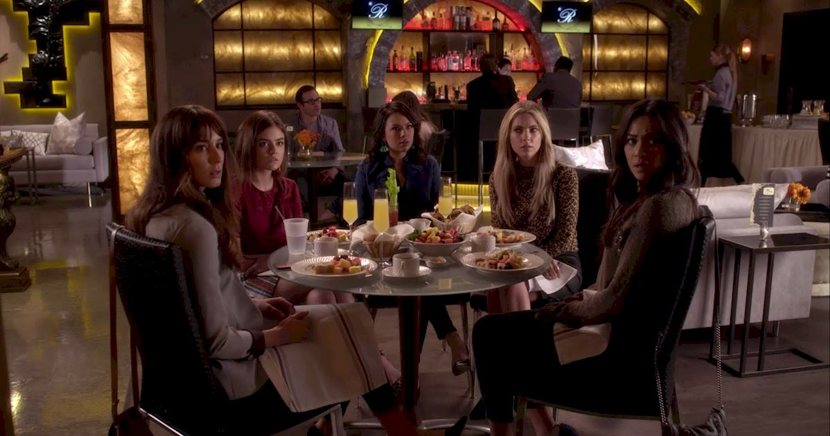 Pretty Little Liars - 20 Crazy Things We Learned In Episode 4 Of PLL!  - 1012
