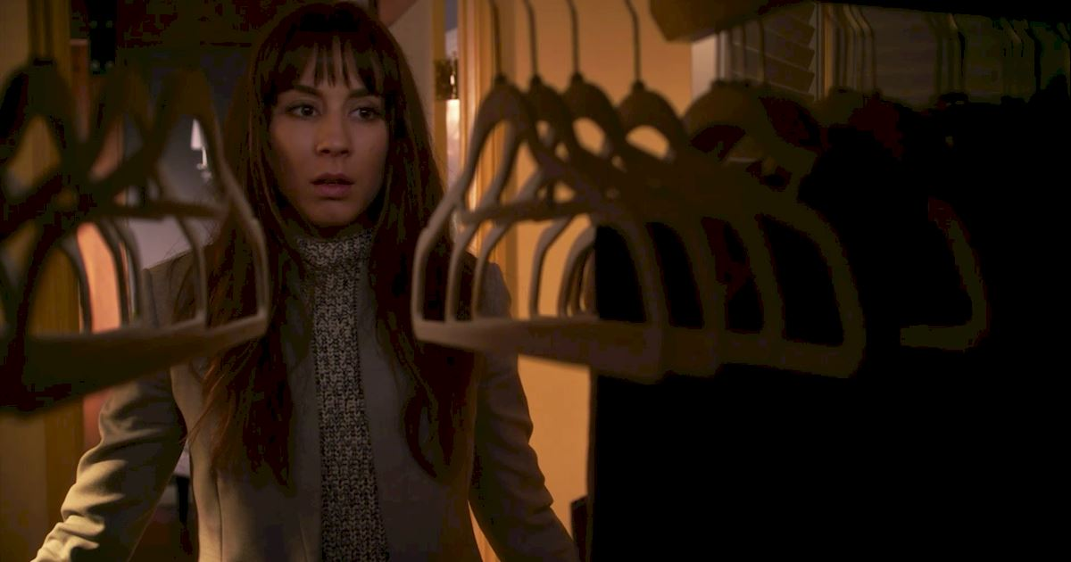 Pretty Little Liars - 20 Crazy Things We Learned In Episode 4 Of PLL!  - 1017