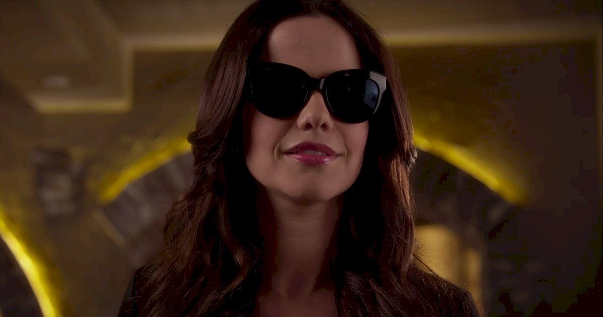 Pretty Little Liars - 20 Crazy Things We Learned In Episode 4 Of PLL!  - 1013