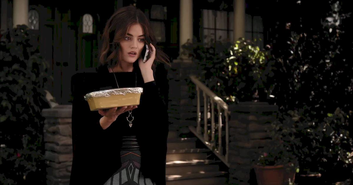 Pretty Little Liars - Exclusive Sneak Peek! Aria Awaits Alison's Return But Ali's Not Alone! - 1002