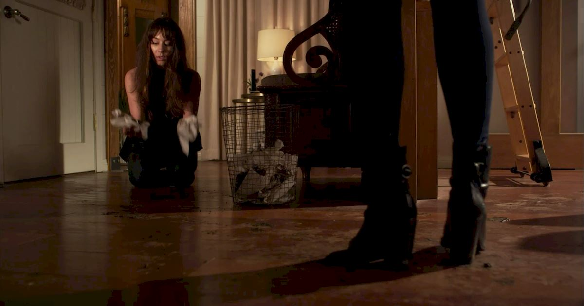 Pretty Little Liars - 16 Things You Might Have Missed In Episode 4!  - 1004