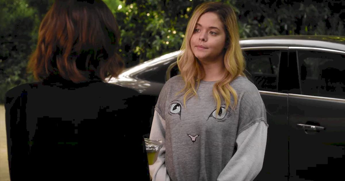 Pretty Little Liars - Exclusive Sneak Peek! Aria Awaits Alison's Return But Ali's Not Alone! - 1003