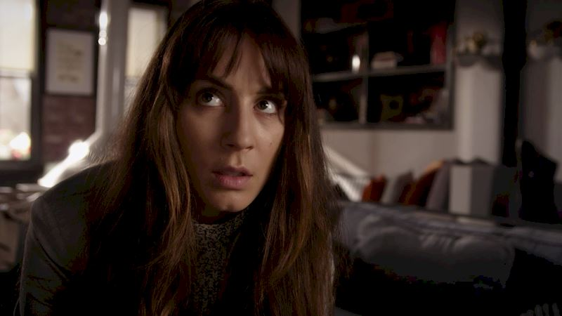 Pretty Little Liars - 16 Things You Might Have Missed In Episode 4!  - Thumb