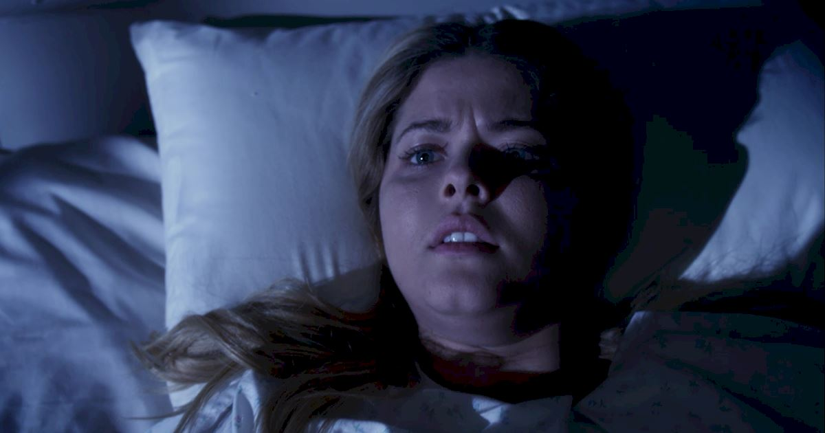 Pretty Little Liars - 16 Things You Might Have Missed In Episode 4!  - 1015