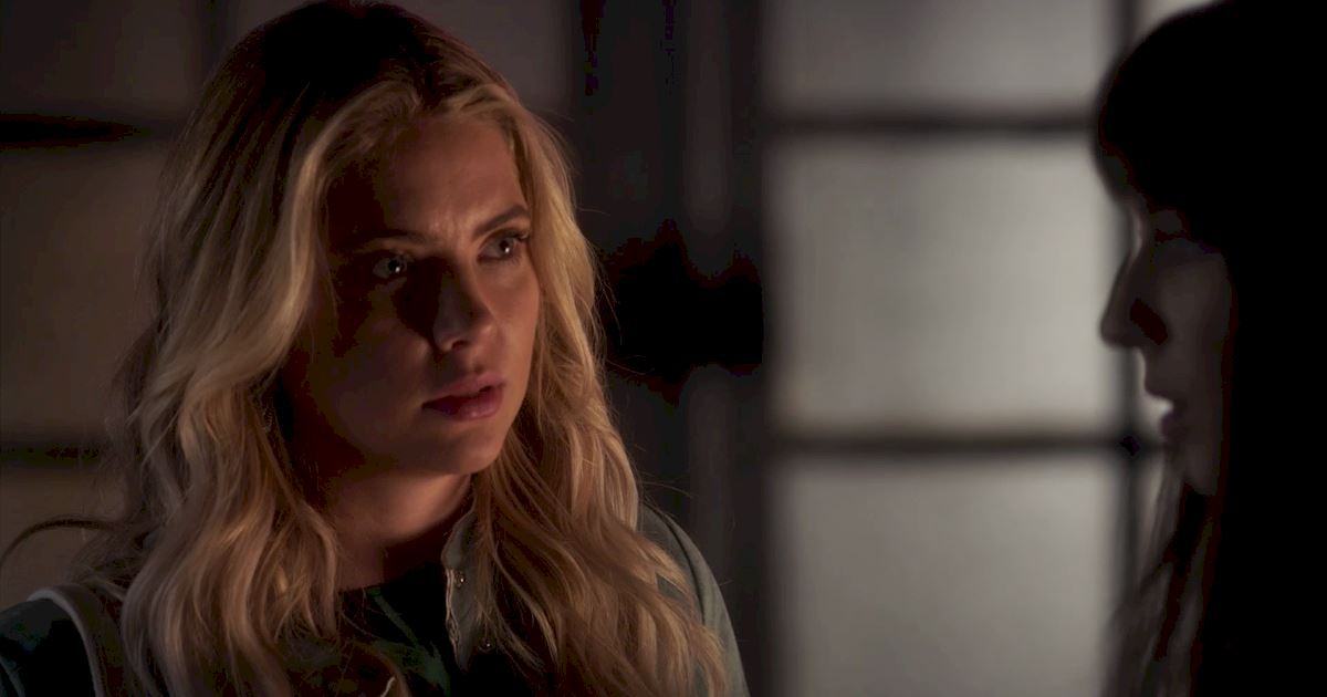 Pretty Little Liars - 21 Amazing Things We Learned From Episode 5!  - 1017