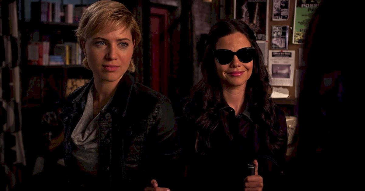 Pretty Little Liars - 21 Amazing Things We Learned From Episode 5!  - 1020