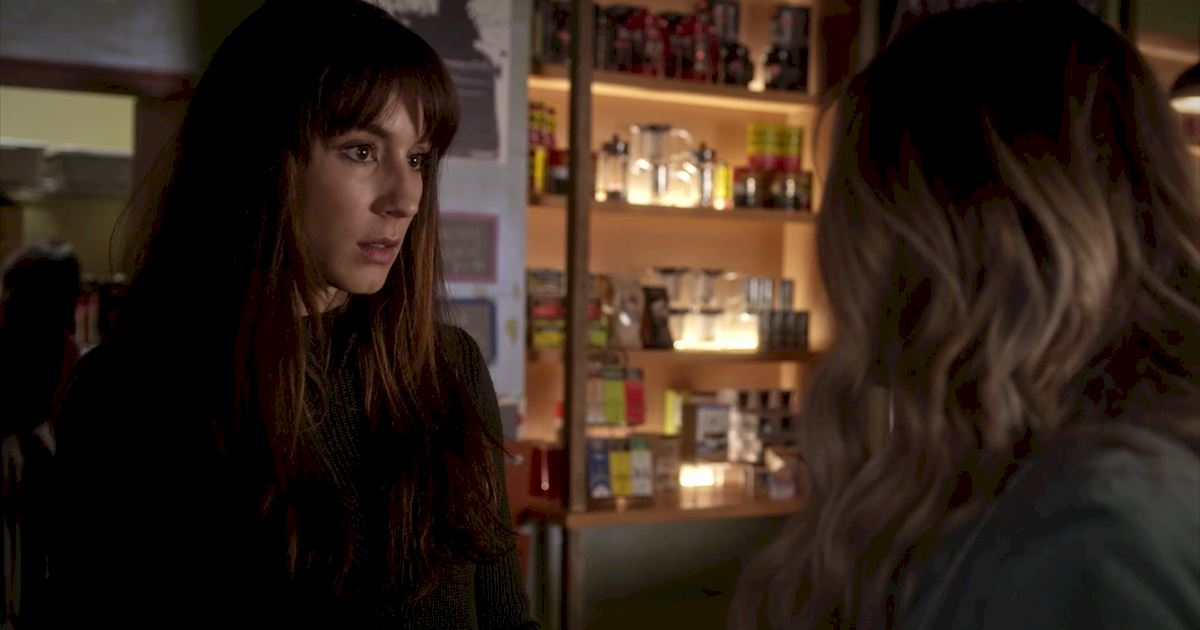 Pretty Little Liars - 21 Amazing Things We Learned From Episode 5!  - 1005