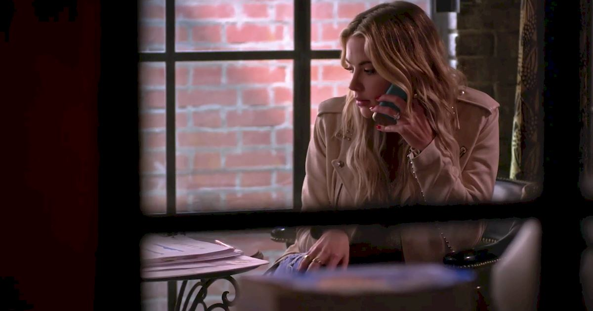 Pretty Little Liars - Surely Elliott Didn't Really Just Call Hanna From Beyond The Grave?!  - 1004