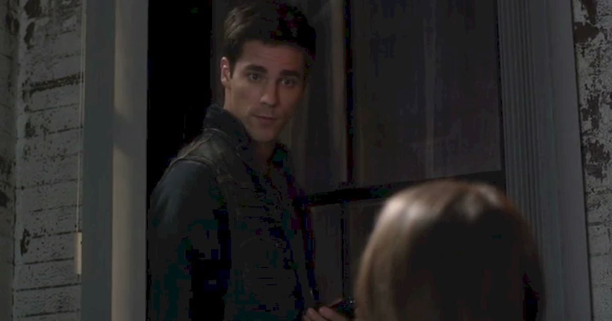 Pretty Little Liars - OMG! Noel Kahn Is Back In Rosewood! Relive His Most Devious Deeds Right Here! - 1010