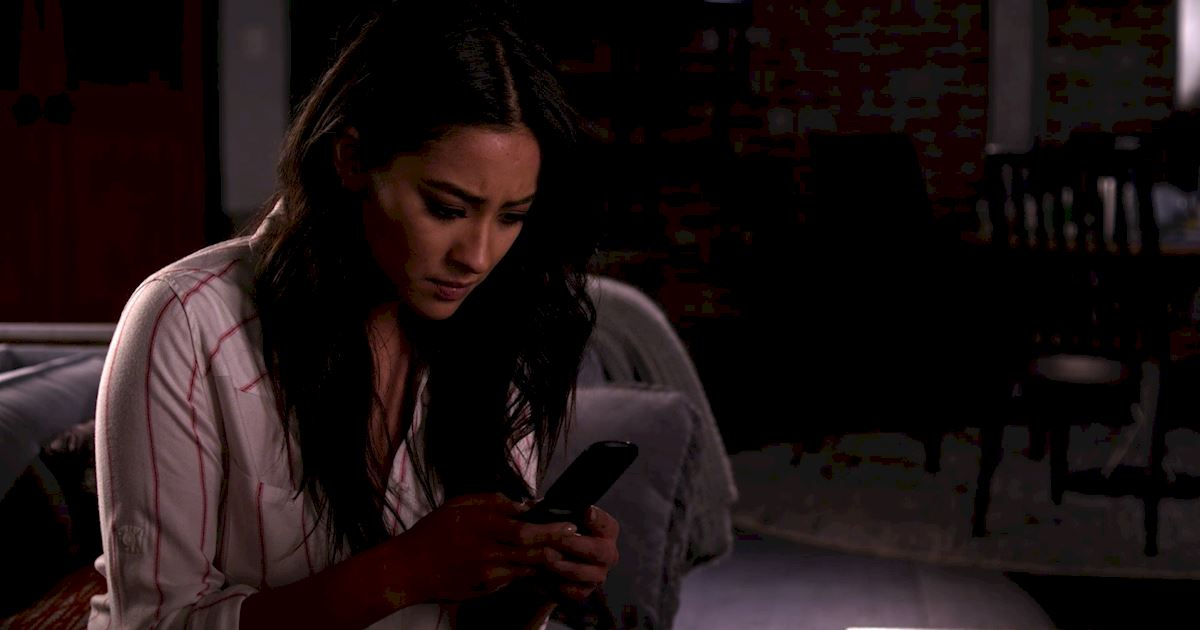 Pretty Little Liars - 20 Spiraling Thoughts We All Have After A First Date! - 1009