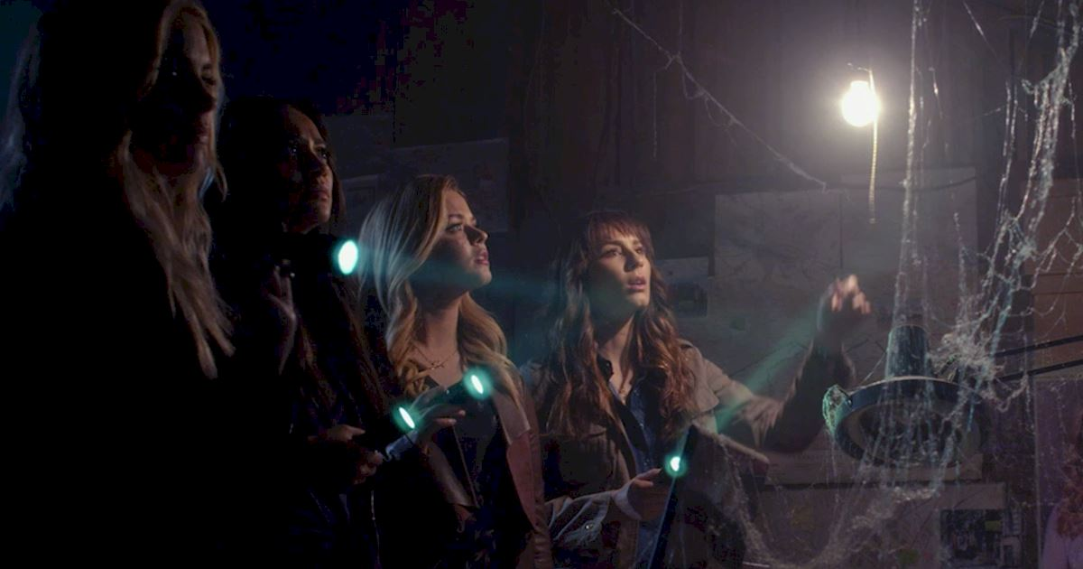 Pretty Little Liars - OMG! Find Out Who Has Returned In The New Promo! - 1004