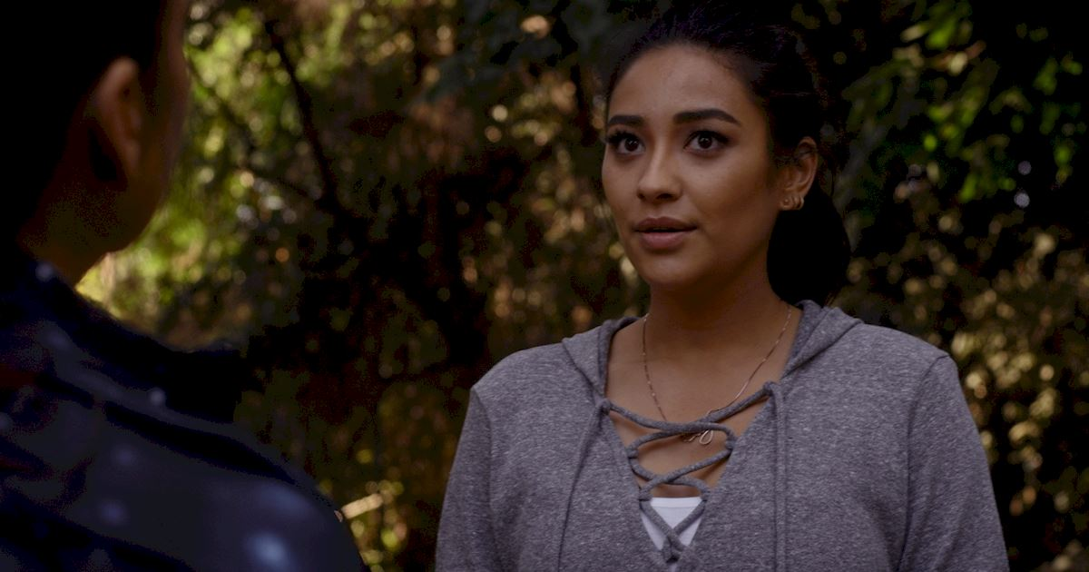 Pretty Little Liars - Check Out Which PLL Mom Has Returned In This Exclusive Sneak Peek! - 1006