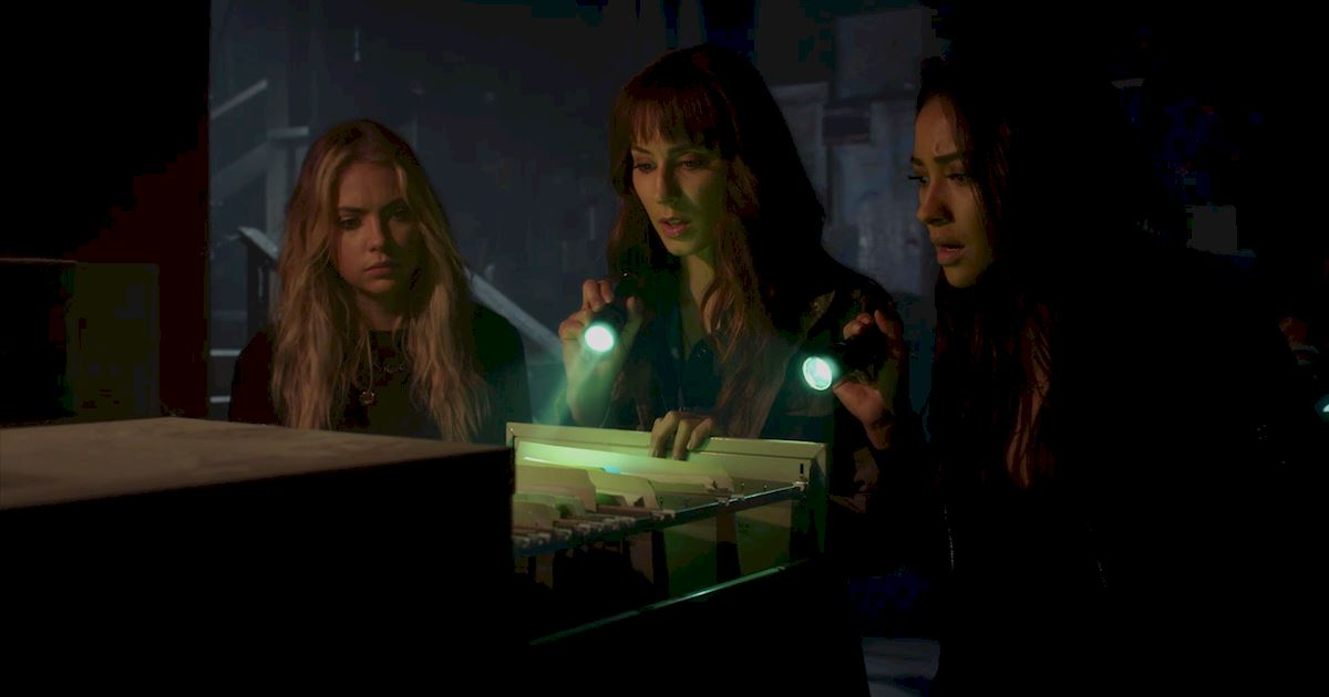 Pretty Little Liars - 28 Mind-Blowing Things We Learned From Episode 7 Of PLL - 1024