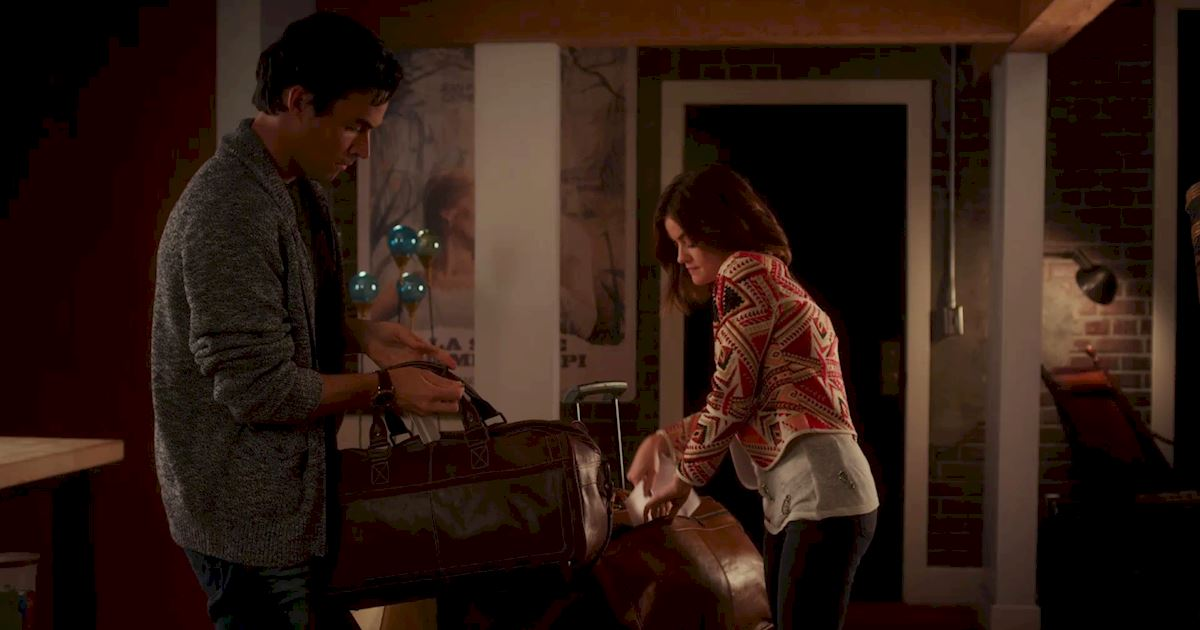 Pretty Little Liars - To Elope Or Not To Elope: What Will Happen To Ezria? - 1011