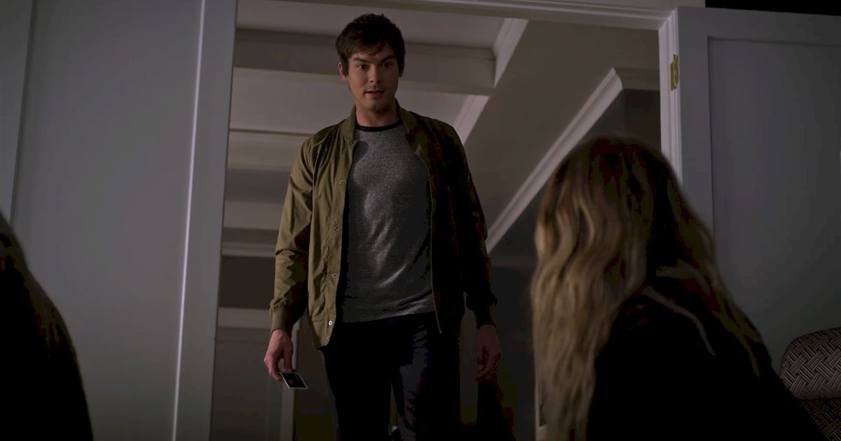 Pretty Little Liars - 18 Amazing Things You Might Have Missed In This Week's Episode Of PLL! - 1012