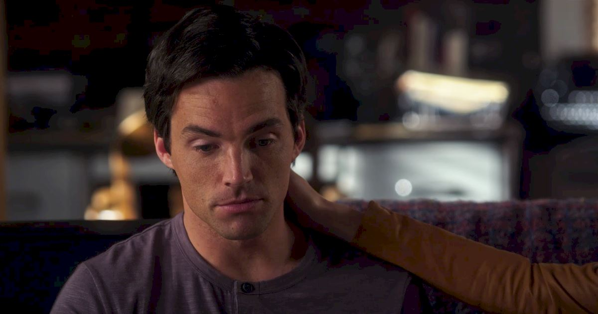 Pretty Little Liars - To Elope Or Not To Elope: What Will Happen To Ezria? - 1003